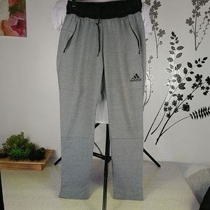Adidas techfit men's skinnysweatpants size Small.